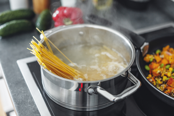 What's The Point Of Putting Oil In Pasta Water?